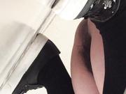 國內廁拍大神潛入某青年文化宮舞蹈培訓班公共女廁偷拍各式美眉如廁噓噓 形態各異逼逼看得讓人欲火焚身 1080P高清原版